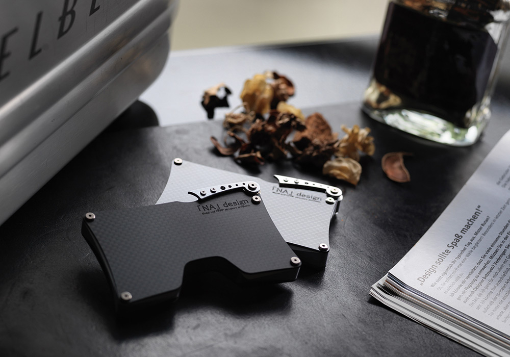 Factory brand, 「NA」design carbon card case